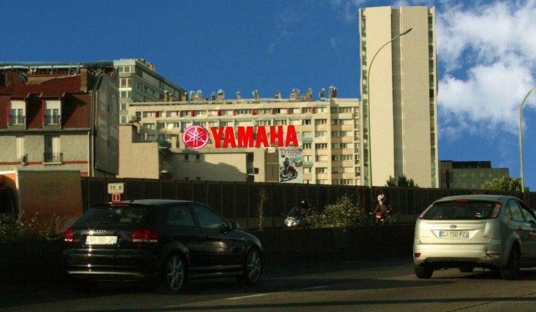 publicité grand format extérieur pour Yamaha à Paris - PAP