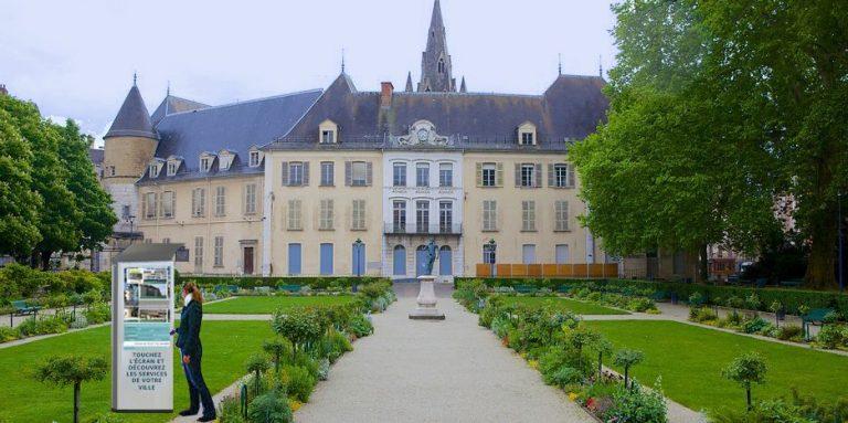 totem interactif au jardin de ville de Grenoble (simulation) - PAP