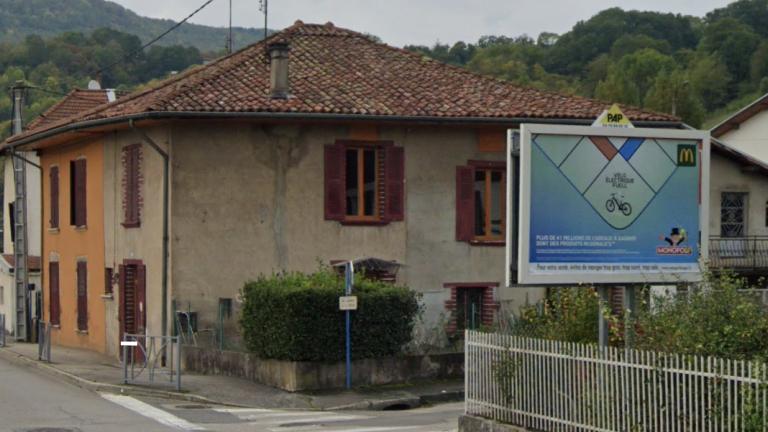 panneau d'affichage publicitaire PAP - Mcdo